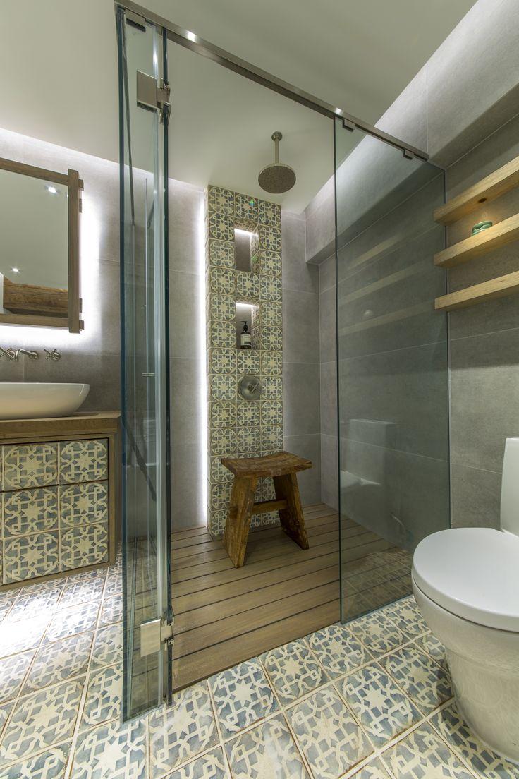 Master Bathroom. Moroccan inspired room. Fired Earth tiles. Sanitary from Kohler.