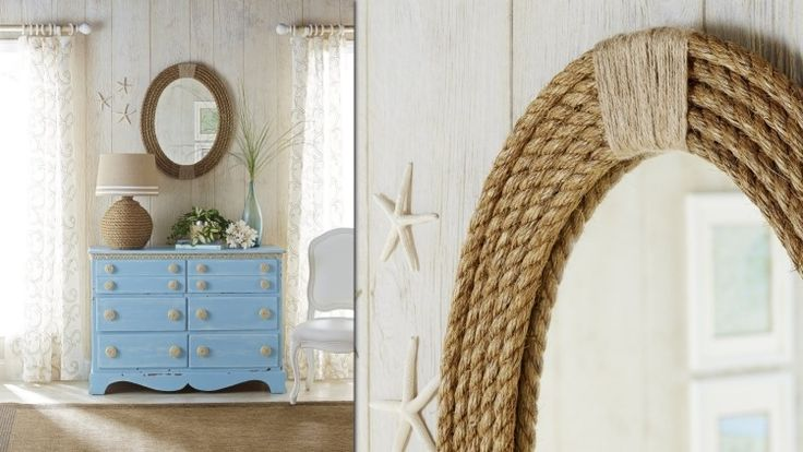 déco marine élégante - cadre miroir en corde, étoiles de mer accrochées au mur et commode en bleu