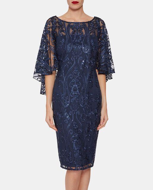 cca8b69092 Vestido de encaje de mujer Gina Bacconi en azul marino en 2019 ...