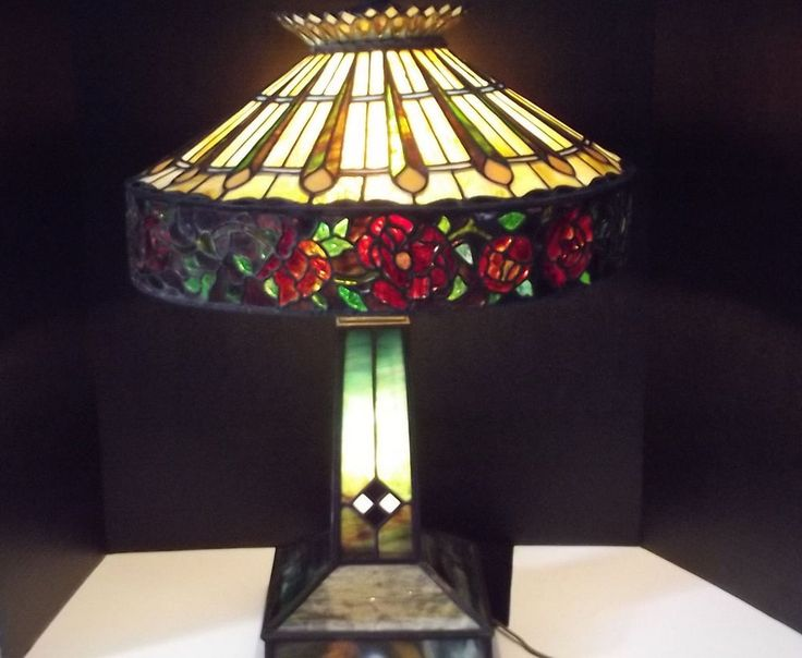 Antique Large Tiffany Style Stained Glass Electric Table Lamp W Lighted Base