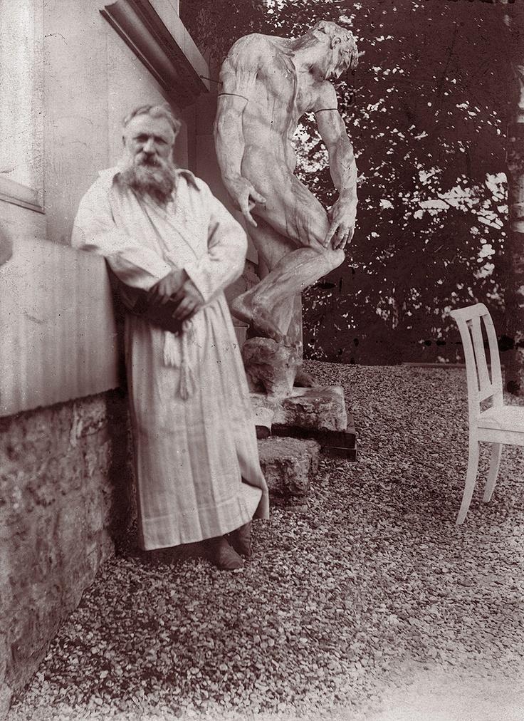 Rodin. Va ser un gran escultor però un egoista com a persona, que no va saber recolzar ni protegir la gran Camille Claudel.