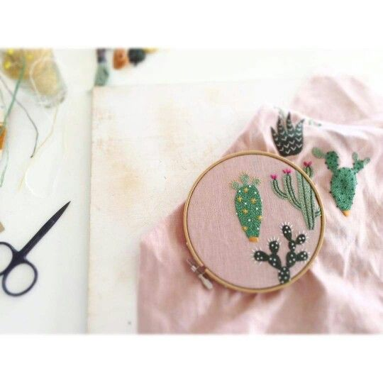 Broderie avec cactus / Embroidery