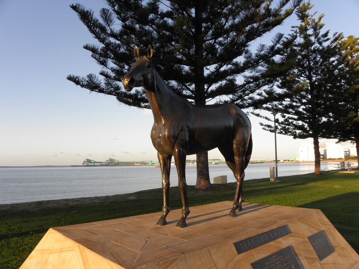port lincoln | Statue of Makybe Diva at Port Lincoln, South Australia