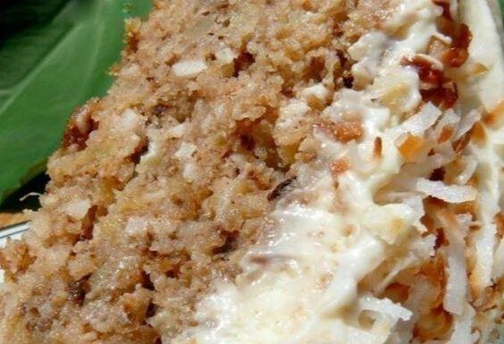 Hawaiian Hochzeitstorte mit Schlagsahne Käse Zuckerguss
