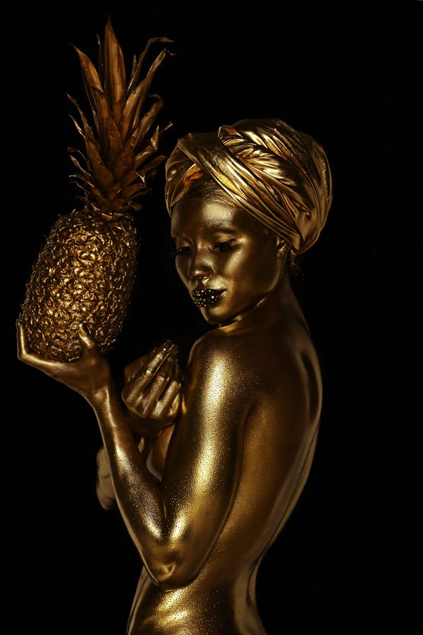 Living statue inspiration ♥✤ Bodypainting Golden Carmen by Saara Sarvas, via Behance
