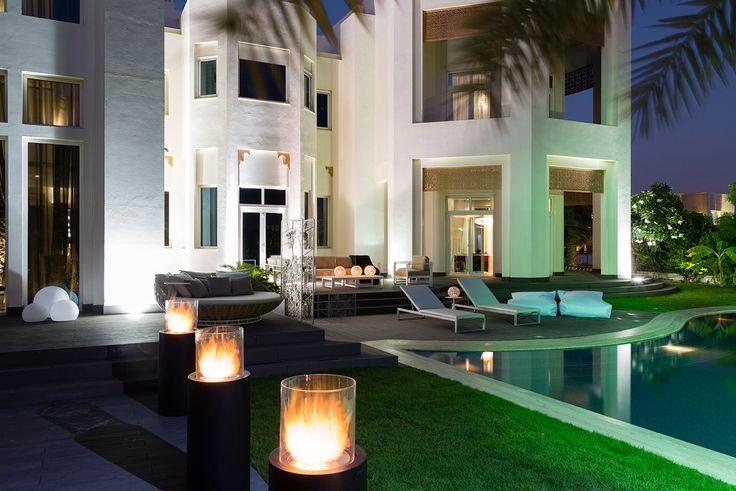 Planika's Totem Commerce fireplace. www.planikafires.com www.facebook.com/planikafire  Private Villa, Emirates Hills, Dubai, Bishop Design LLC   #modern #fireplace #dubai