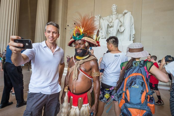 Marc Dozier: Huli Chief takes a selfie at the Abraham Lincoln statue in…