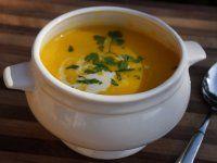 Sütőtökleves, krémes, gyömbéres, chilis, kurkumás őszi leves