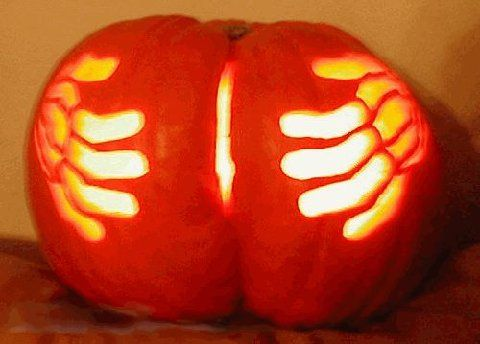 Pumpkin Carving - Sharenator. --I'm so tempted to try making one like this. Problem is I don't think I can find one with a dimple short of buying 2 and fusing them together