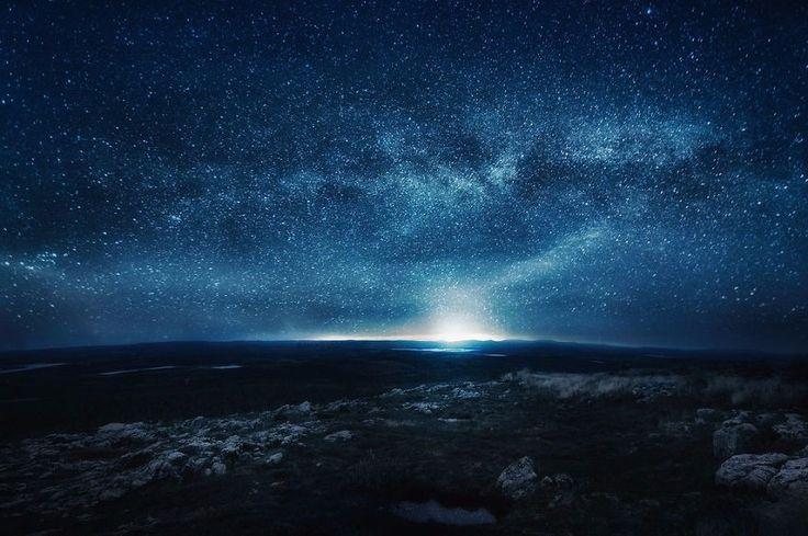 26 zapierających dech w piersiach zdjęć, które zainspirują Cię do patrzenia w nocne niebo.
