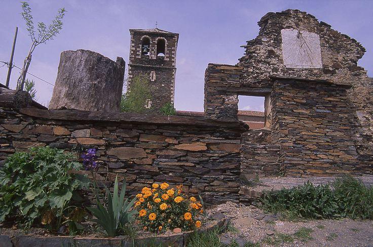 Campillo de Ranas - Pueblos de la Arquitectura Negra
