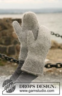"""DROPS 103-32 - Felted DROPS mittens in 2 threads """"Alpaca"""" - Free pattern by DROPS Design"""