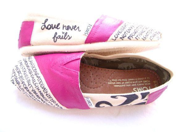 1 corinthians 13 toms!! :) i want these!