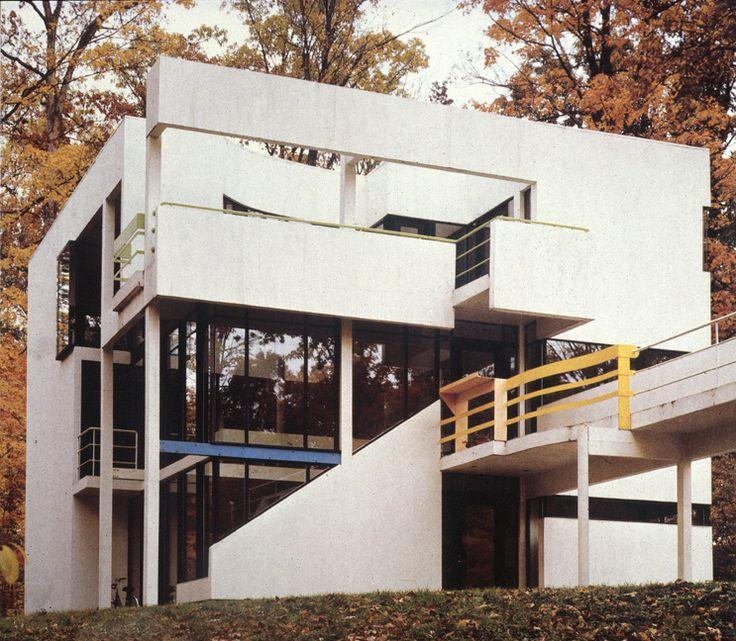 HANSELMANN HOUSE 1967 - 1971  Fort Wayne, IN, United States, Michael Graves.