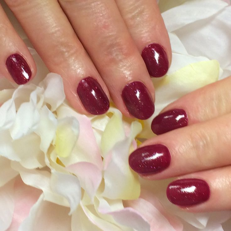 #naturalnails with Hand & Nail Harmony #polygel overlay #rendezvous and #sugarplumdreams from NailHarmonyUK/Gelish