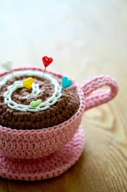Teacup pincushion! How adorable @Debbie Arruda Arruda Arruda Arruda McCracken and Motifs.......