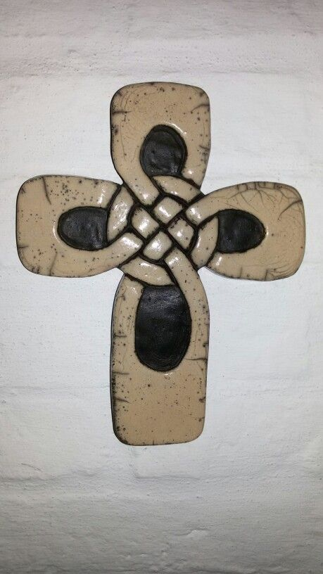 Cruz celta .,cerámica raku