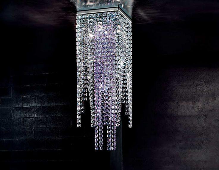 Braga Crystal mennyezeti lámpa átlátszó és színezett kristályokkal.