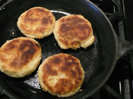 Stove-top biscuits....need this for when we're in the camper!