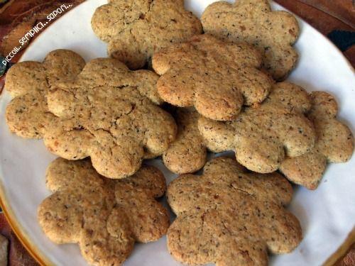 Biscotti al grano saraceno e Comunicazione di Servizio!