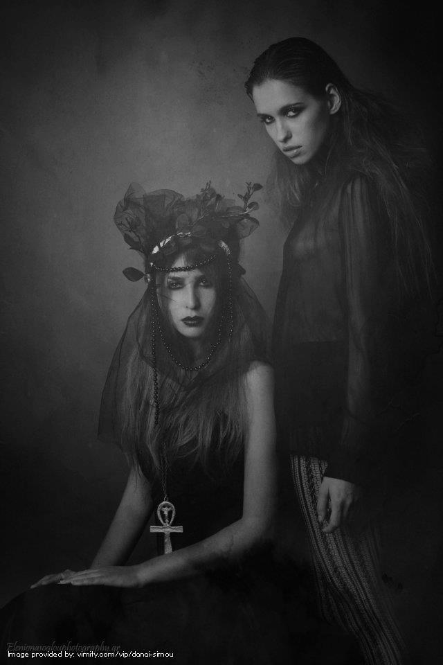 Photography: Onasoglou Eleni   Styling & Headpiece: Danai Simou #vimity http://www.vimity.com/vip/danai-simou/portfolio/il-vento/#