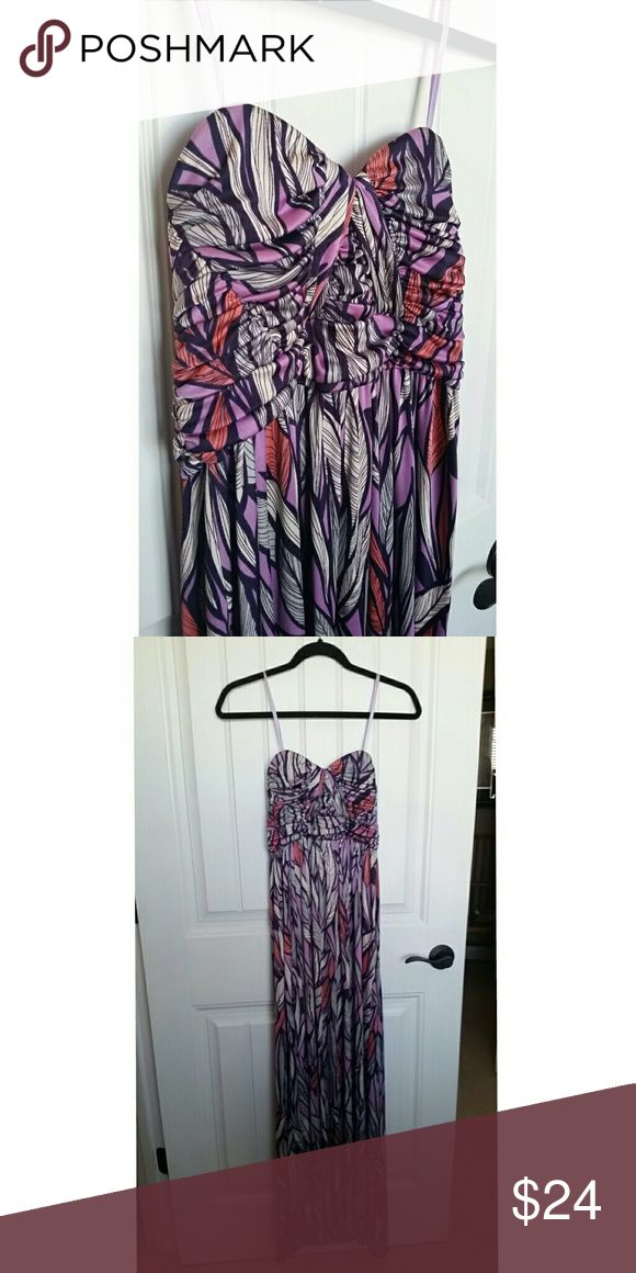 Gianni Bini Strapless Maxi Dress Gianni Bini Strapless Maxi Dress In great preloved condition All offers considered :) Gianni Bini Dresses Maxi