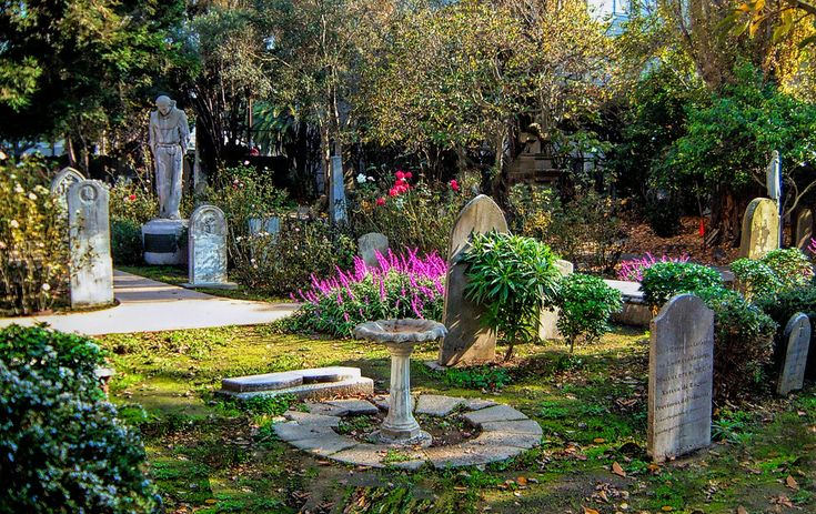 Mission Dolores Cemetery, San Francisco, CA clustered with ...