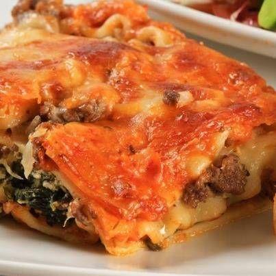 """30 minuten """"Mozzarella+Beef+Florentine"""".+Een+overheelijke+ovenschotel+met+spinazie,+mozzarella+en+gehakt.+Omdat+we+het+zo+lekker+vinden+ben+ik+gaan+experimenteren+met+lasagne.+We+hebben+gesmuld."""