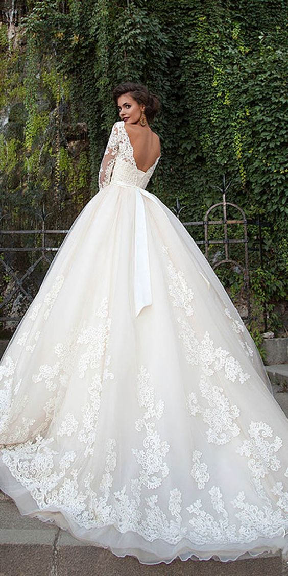 Mila Nova Lace Wedding Dresses 2016 / http://www.deerpearlflowers.com/lace-wedding-dresses-and-gowns/3/