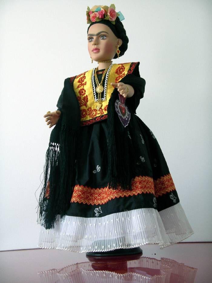 frida kahlo en traje del istmo de tehuantepec