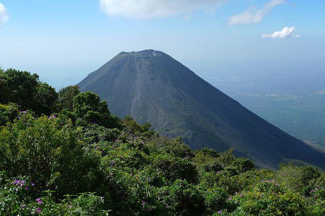 Volcan Izalco - Cerro Verde National Park, El Salvador by meckleychina, via Flickr