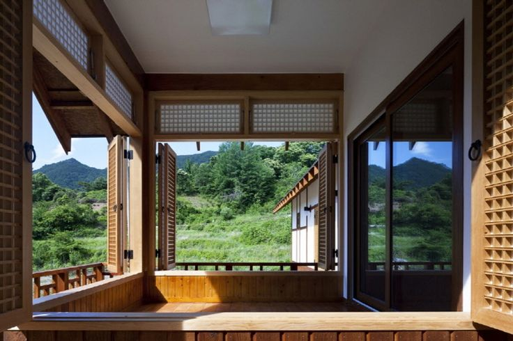 Modern Hanok architecture is inspired by both the natural principal of house positioning to showcase and frame beautiful landscapes, while also remaining tru...