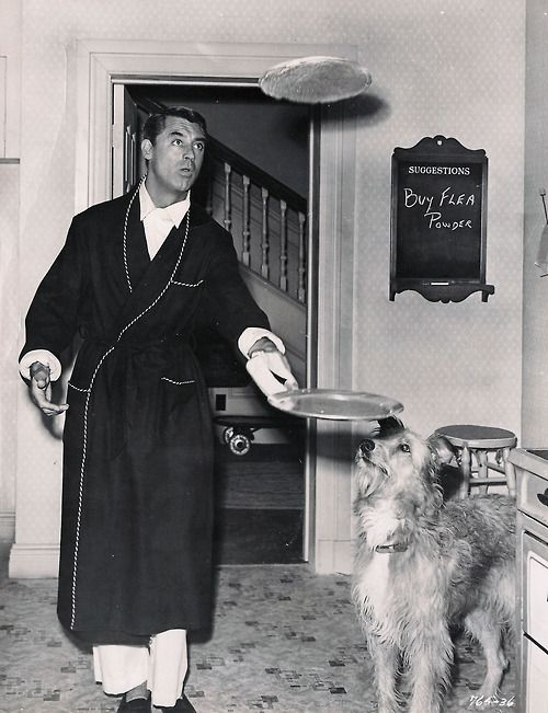 CARY GRANT FLIPPING PANCAKES