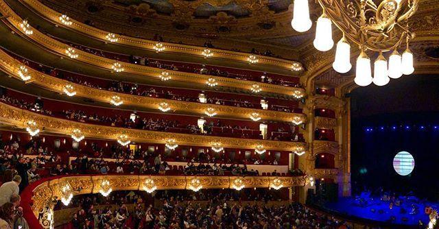 Incredible place  #liceu #teatreliceu #teatre #theatre #theater #teatro #opera #concert #concierto #music #musica #amazing #venue #fancy #barcelona #bcn #barna #spain #catalonia #catalunya #españa #culture #arts #cultura