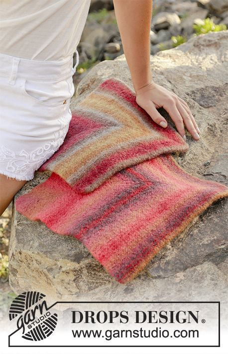 Just a Moment felted seating pad by DROPS Design  Free Knitting Pattern