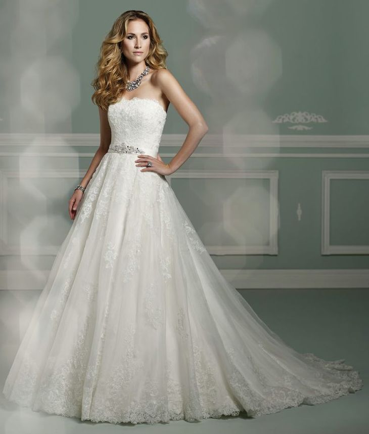 James Clifford Wedding Dresses. http://www.modwedding.com/2014/03/20/james-clifford-wedding-dresses/