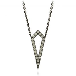 Hvis du også er til diamanter og glimtende smykker, så er vores Diamond Silhouette-kollektion lige noget for dig. Især hvis du inderst inde er mere til silhuetten af en diamant end selve diamanten. Den karakteristisk form, der imiterer diamant-silhuetten, tilfører en sjov og anderledes detalje til dit outfit. Den smukke form gør smykket til et elegant og cool tilbehør til alt fra en kedelig mandag til en festlig fredag. Og så kan du være helt sikker på at lyse lige så meget op, som hvis…