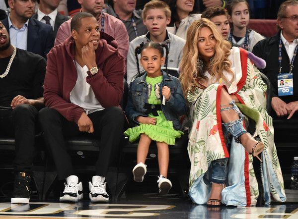 Beyonce Knowles Photos Photos - Jay Z, Blue Ivy Carter and Beyonce Knowles attend the 66th NBA All-Star Game at Smoothie King Center on February 19, 2017 in New Orleans, Louisiana. - Celebrities Attend The 66th NBA All-Star Game