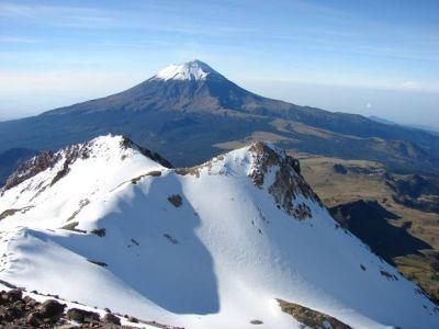La Leyenda del volcán Popocatépetl y el Iztaccíhuatl.