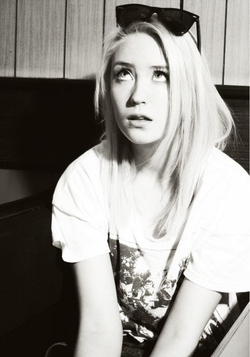 Imagem de skin, Lily Loveless, and naomi