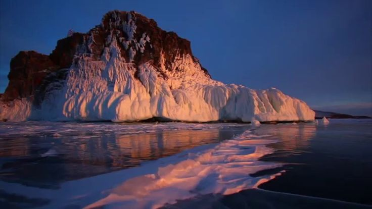 Байкал: царство льда