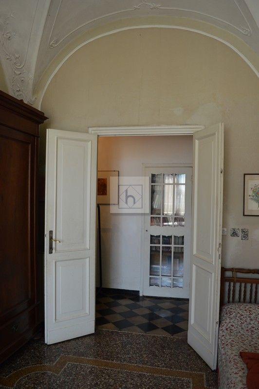 Castelletto salita Multedo • Vendita Genova • Studio Haupt  #antique #details #floor #library #vaultedceilings