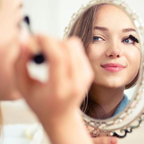 Volete truccare gli occhi con un make-up dall'effetto naturale? Seguite i nostri consigli per un trucco semplice e delicato..