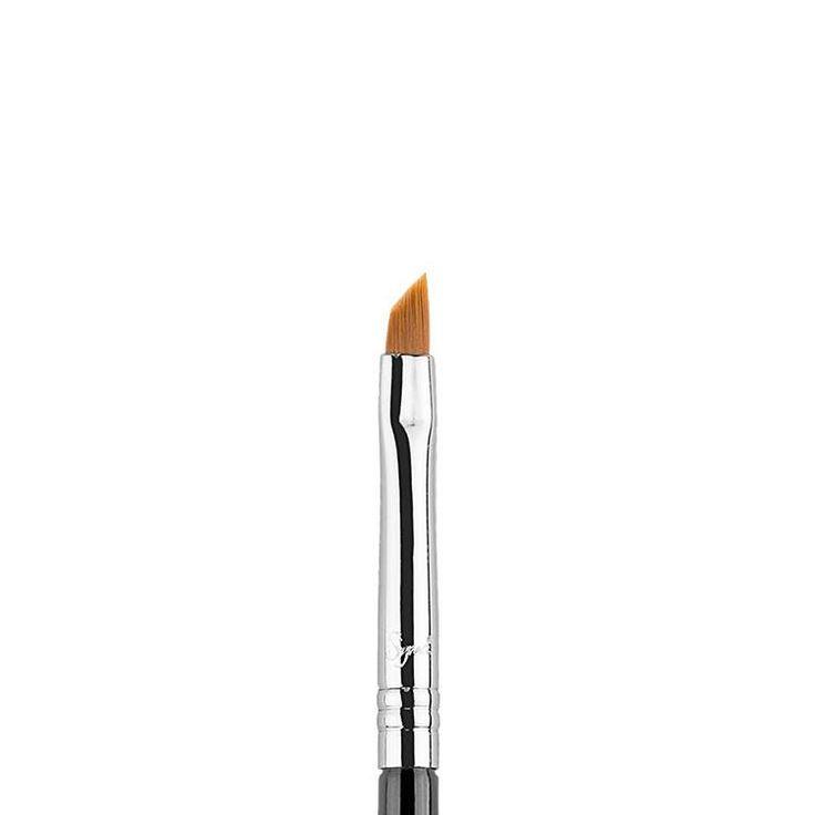 Sigma E06 Winged Liner™ online kopen bij Boozyshop. Dé makeup webshop. ✓Voor 20.00 Besteld, morgen in huis. ✓Gratis bezorging vanaf €30