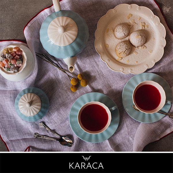 Çay dostluğun, misafirperverliğin, sıcak bir sohbetin vazgeçilmezidir.