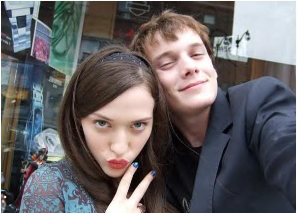 Anton Yelchin and Kat Dennings on the set of Charlie Bartlett (2007)