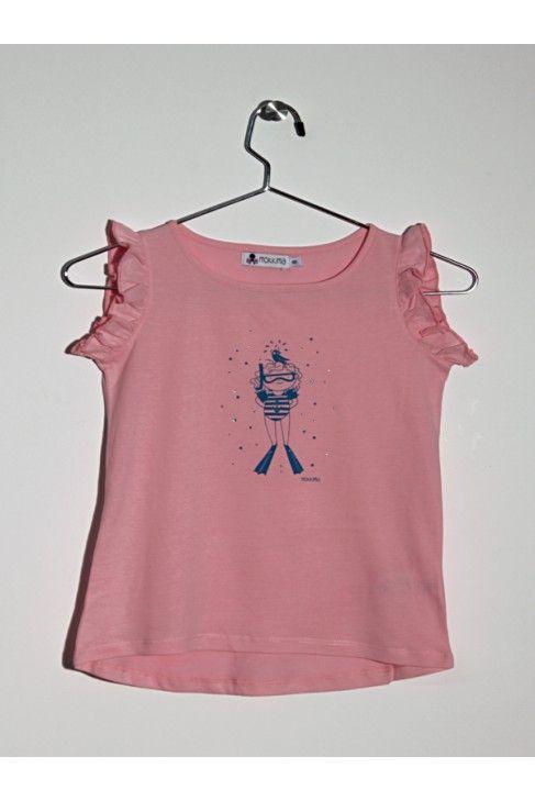 Top con volantes en las manga, tacto melocotón, de color rosa. Estampado de niña submarinista con piedras de Strass. www.mokkima.com