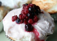 DF Strawberry Frosting: uses all fruit preserves so is quick and easy!