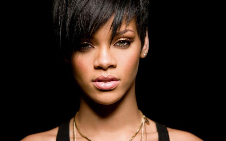 Rihanna drague Karim Benzema sur Twitter