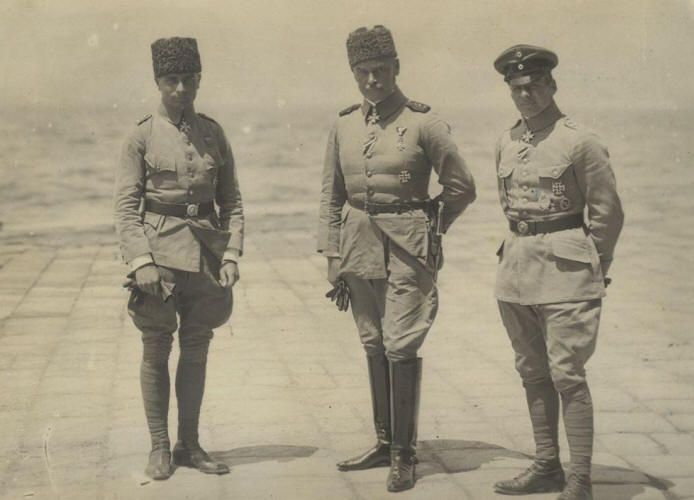 From left: Oberleutnant Hans Joachim Buddecke, General Otto Liman von Sanders, Hptm Oswald Boelcke in Turkey, 1916.  Boelcke was a German flying ace of WWI and one of the most influential patrol leaders and tacticians of the early years of air combat.